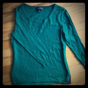 Emerald green thin sweater from the Limited